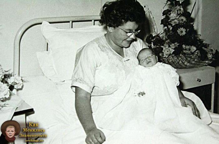 Жан-Клод Ван Дамм в раннем детстве с мамой