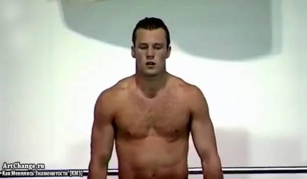 Молодой Джейсон Стэйтем на конкурсе по прыжкам в воду (1990)