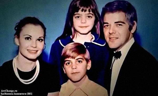 Джордж Клуни с отцом Ником, мамой Ниной и сестрой Аделией