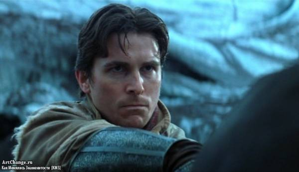 Бэтмен: Начало (2005), в ролях Кристиан Бэйл