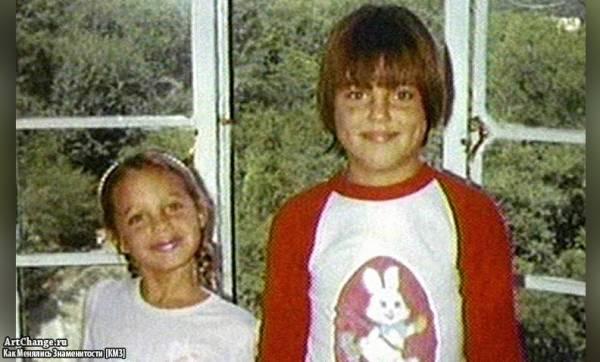 Анджелина Джоли в детстве с братом Джеймсом