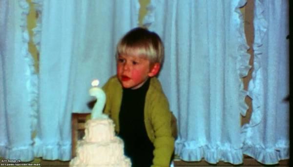 Курт Кобейн в детстве (2 года)