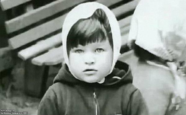 Милла Йовович в детстве