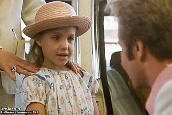В поисках выхода (1982), в ролях Анджелина Джоли