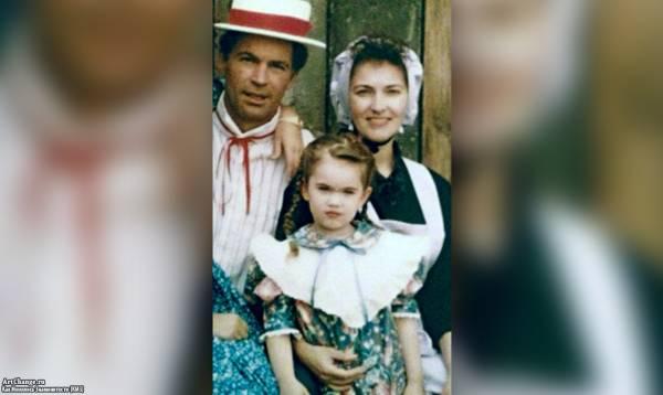 Меган Фокс в детстве, юности с родителями