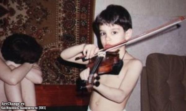 Тимур Юнусов,Тимати в детстве со скрипкой
