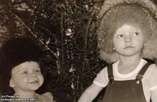 Бьянка (Татьяна Липницкая) в детстве с братом Александром