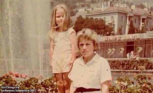Бьянка (Татьяна Липницкая) в детстве с мамой