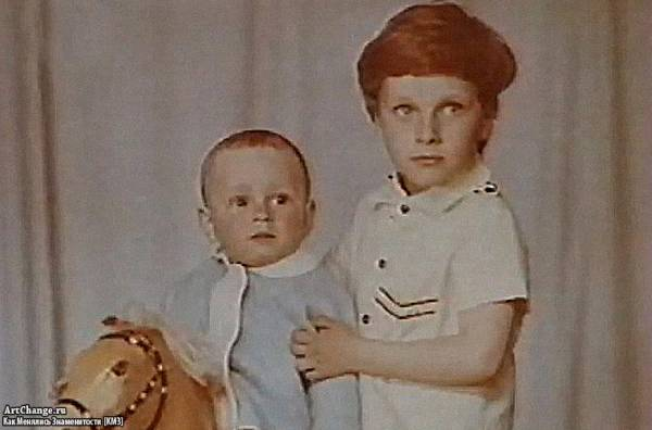 Дмитрий Нагиев и его брат Евгений в детстве