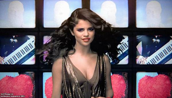 Selena Gomez & The Scene - Love You Like A Love Song (2011)