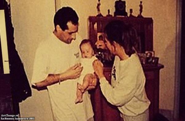Младенец Рома Жёлудь (Игнат Керимов) в детстве с родителями