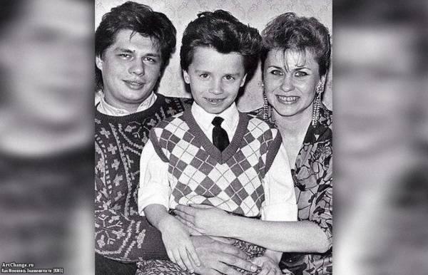 Гарик Харламов в детстве с родителями, мама Наталья, отец Юрий