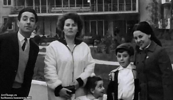 Григорий Лепс в детстве с семьей (родителями)