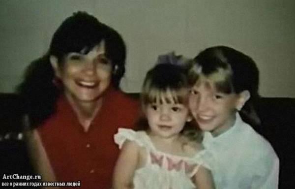 Бритни Спирс в юностью с матерью и сестрой