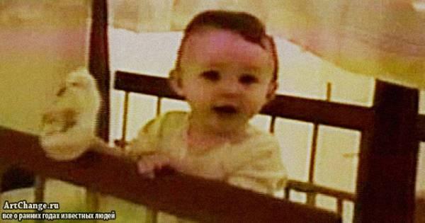 Майли Сайрус в младенчестве (в раннем детстве)
