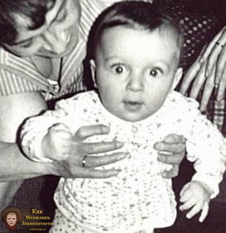 Мирон Фёдоров, Oxxxymiron (Оксимирон) в раннем детстве