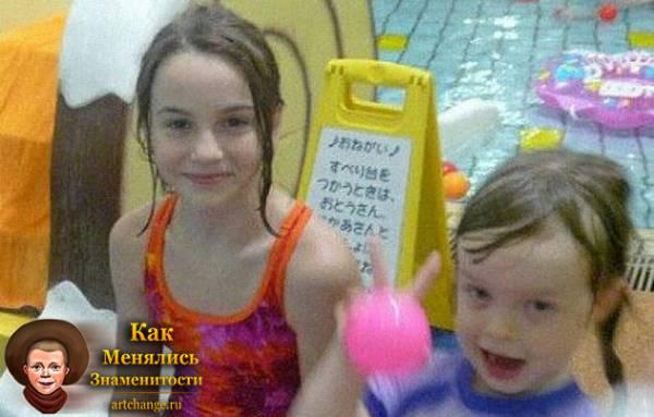 Марьяна Ро / Рожкова и ее сестра Мареся в детстве