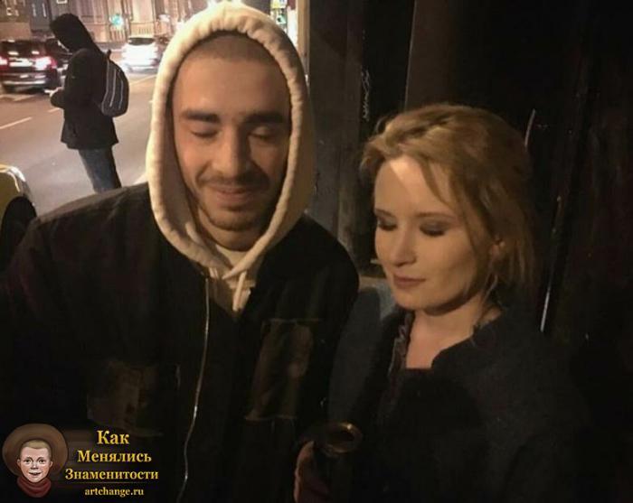 Хаски и Лиза Монеточка, совместное фото, селфи с закрытыми глазами